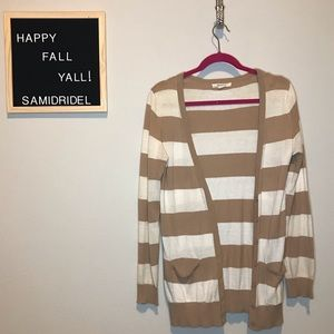 Forever 21 Sweaters - FOREVER 21 STRIPED SWEATER 🍁